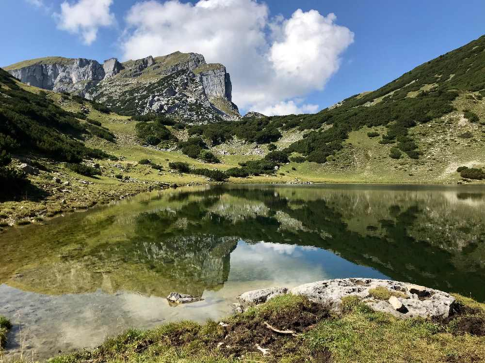 Der Zireiner See im Rofan - ein Bergsee wie im Biderbuch
