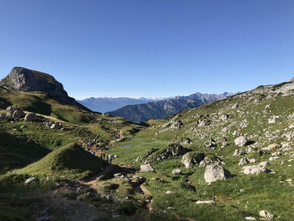 Rofanspitze wandern - mit dem Blick zum Karwendel