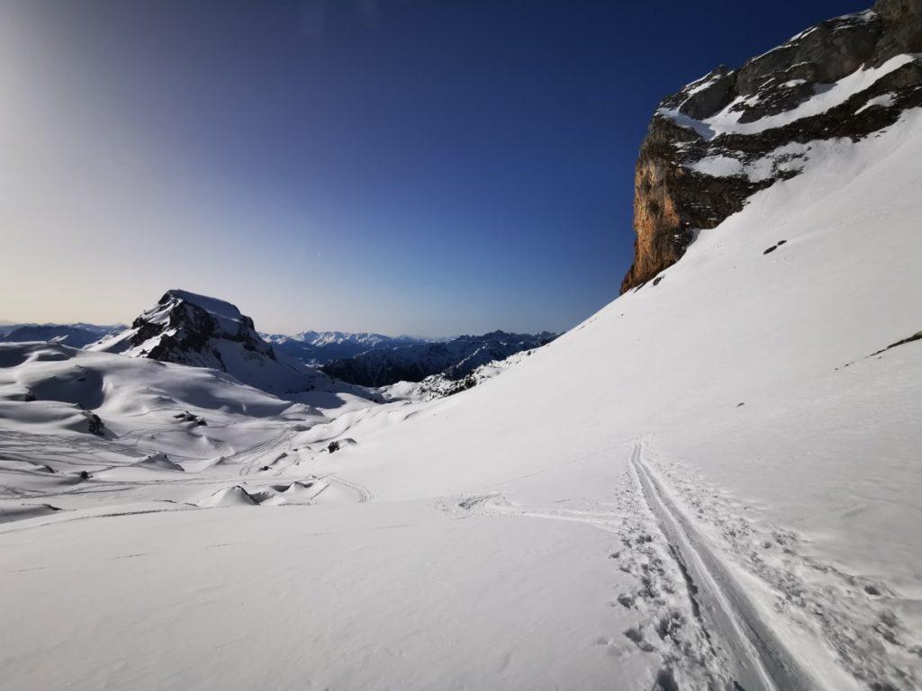 Auf der Rofan Skitour in Richtung Rofanspitze - hier der Blick zurück Richtung Karwendel
