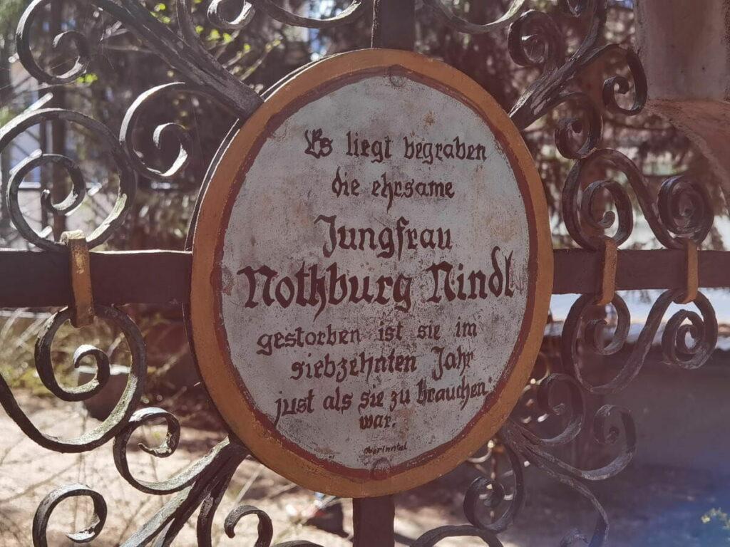 Lustiger Friedhof - skurile Sehenswürdigkeit, die du mal besuchen solltest